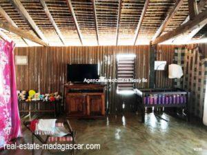 sale-villa-with-guestroom-beach-ambondrona-nosybe-5-500x375.jpg