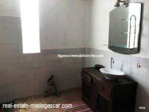 sale-villa-with-guestroom-beach-ambondrona-nosybe-7-500x375.jpg