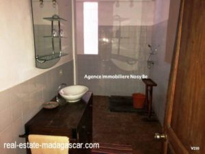sale-villa-with-guestroom-beach-ambondrona-nosybe-8-500x375.jpg