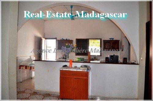 villa-residential-real-estate-madagascar-3-500x332.jpg