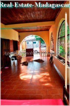 villa-residential-real-estate-madagascar-7-332x500.jpg
