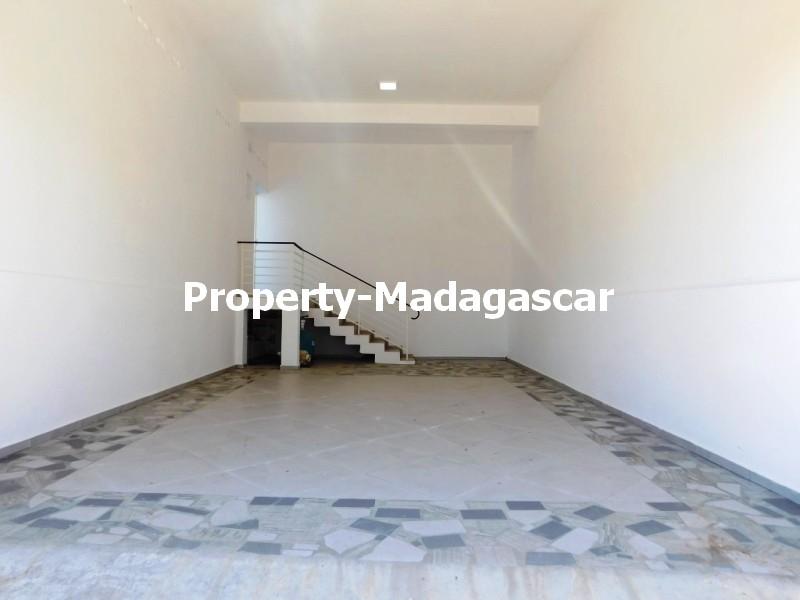 contemporary-villa-rental-Mahajanga-madagascar-3.jpg