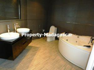 contemporary-villa-rental-Mahajanga-madagascar-6.jpg