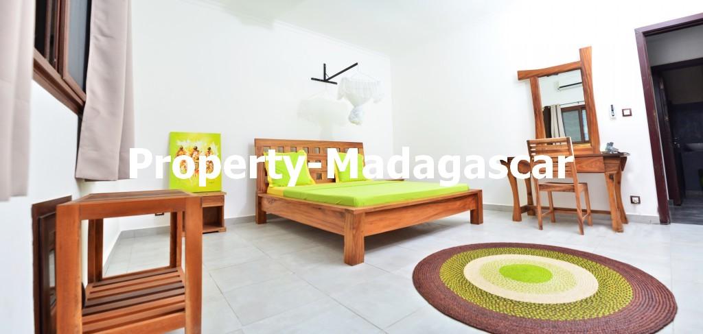 mahajanga-rental-great-villa-sea-view-impregnable-4.jpg