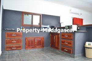 mahajanga-rental-great-villa-sea-view-impregnable-6.jpg