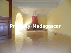 rental-villa-6-bedrooms-diego-suarez-2.JPG