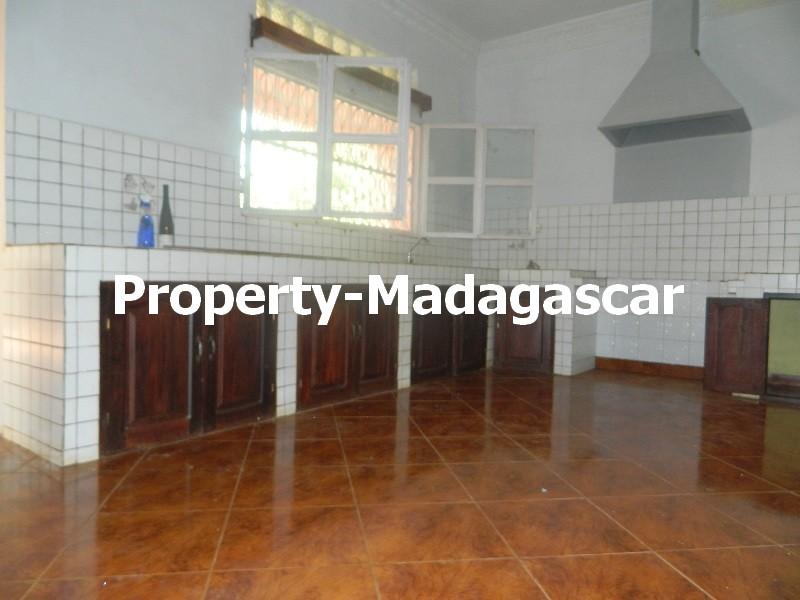 rental-villa-6-bedrooms-diego-suarez-4.JPG