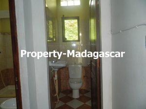 rental-villa-6-bedrooms-diego-suarez-8.JPG