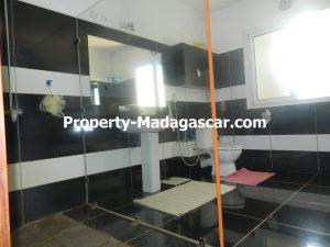 sale-two-family-house-diego-suarez-madagascar-5.JPG
