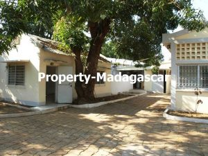 mahajanga-french-high-school-villa-rental-3.jpg
