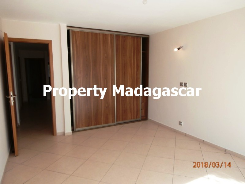 sale-apartment-200-m²-mahajanga-4.jpg