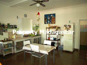 villa-for-sale-222-m²-mahajanga-madagascar-1.jpg