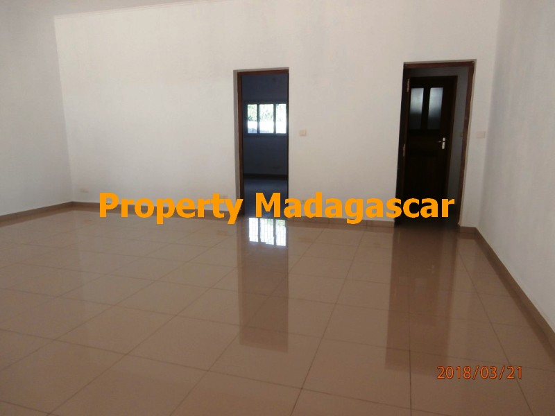 rental-apartment-t4-mahajanga-1.jpg