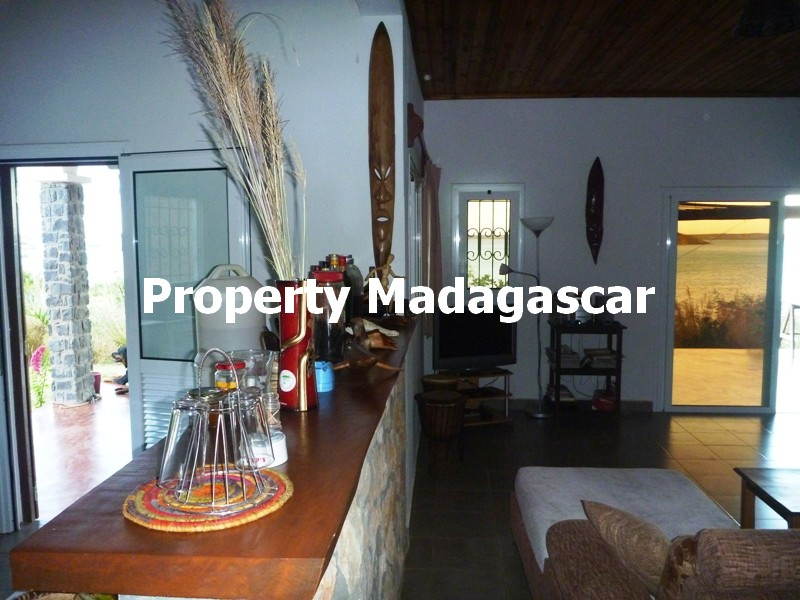 sale-villa-facing-sugarloaf-diego-madagascar-3.JPG