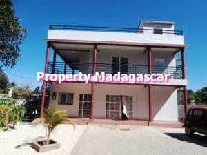 mahajanga-rent-two-apartments-1.jpg