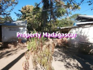 sale-mahajanga-house-cheap-1.jpg