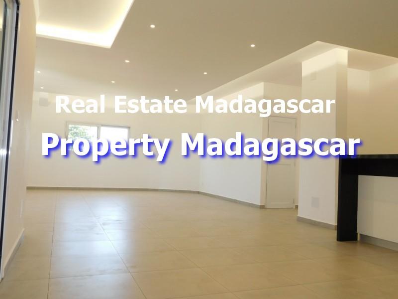 contemporary-villa-rental-mahajanga-2.jpg