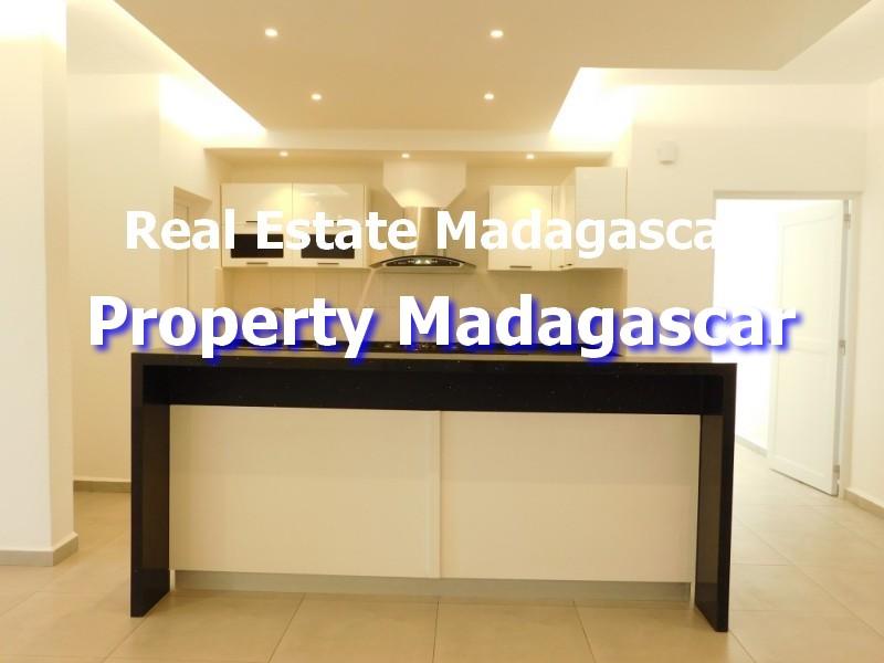 contemporary-villa-rental-mahajanga-3.jpg