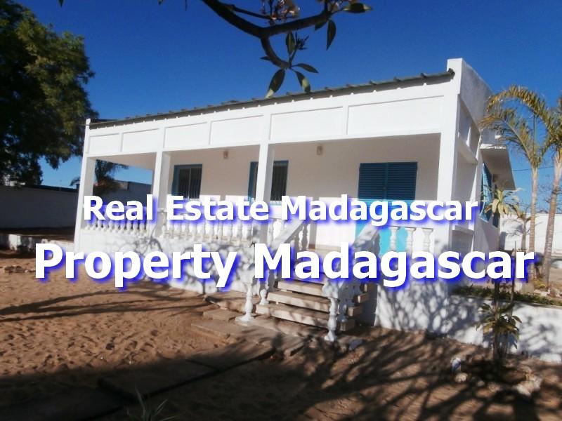maraolala-mahajanga-rent-house-1.jpg