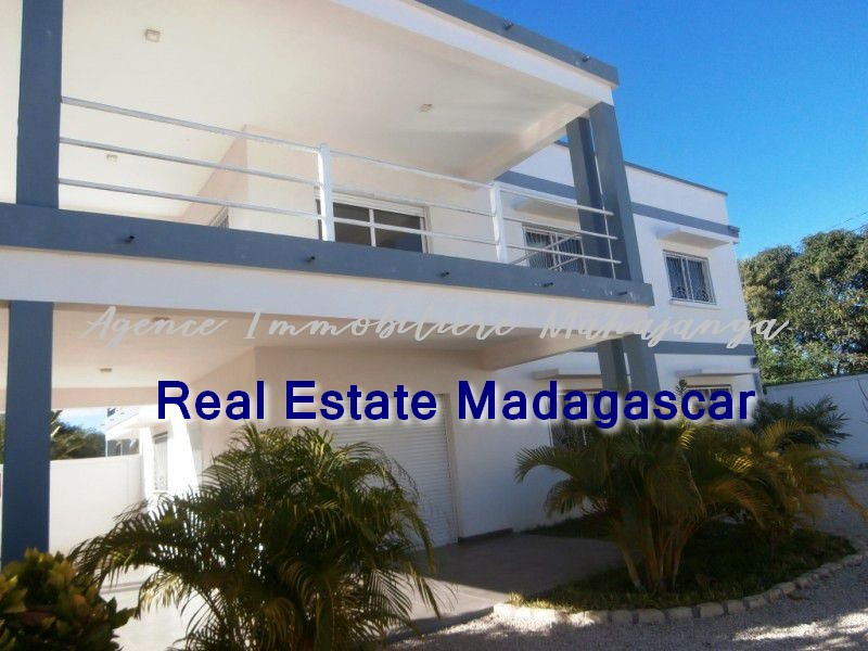 mahajanga-new-villa-sale-quiet-area-1.jpg