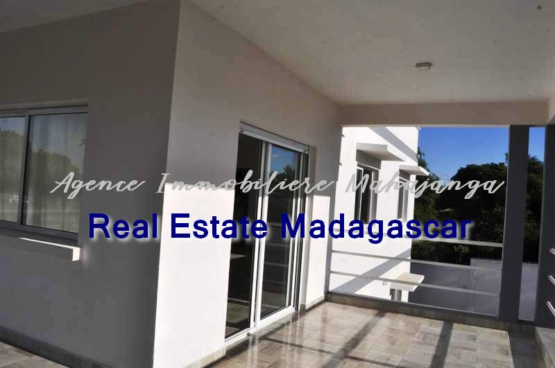 mahajanga-new-villa-sale-quiet-area-2.jpg