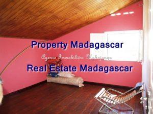rental-apartment-mahajanga-french-college-2.jpg