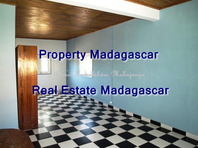 rental-apartment-mahajanga-french-college-3.jpg