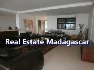 mahajanga-apartment-standing-1.jpg