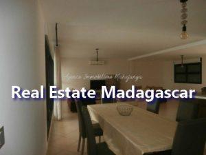 mahajanga-apartment-standing-3.jpg