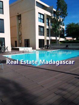 rent-mahajanga-apartment-standing-1.jpg