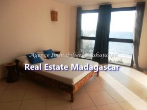 rent-mahajanga-apartment-standing-4.jpg