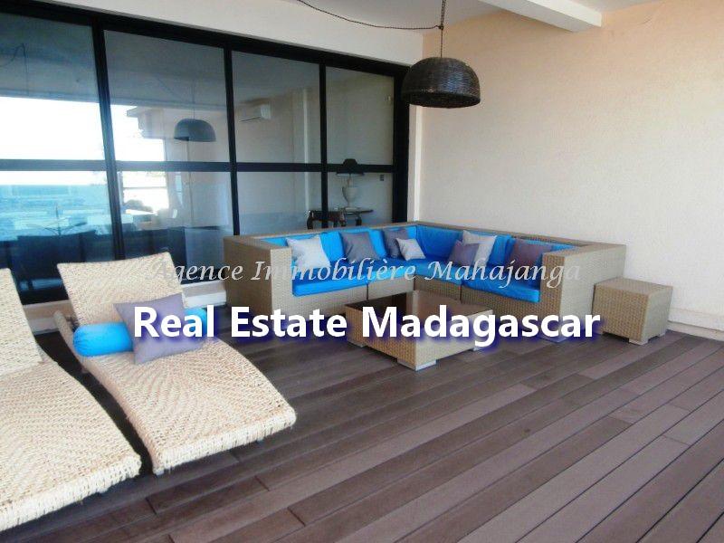 rent-mahajanga-apartment-standing-5.jpg