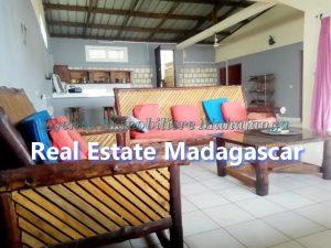 ansahabingo-mahajanga-villa-rental-3.jpg