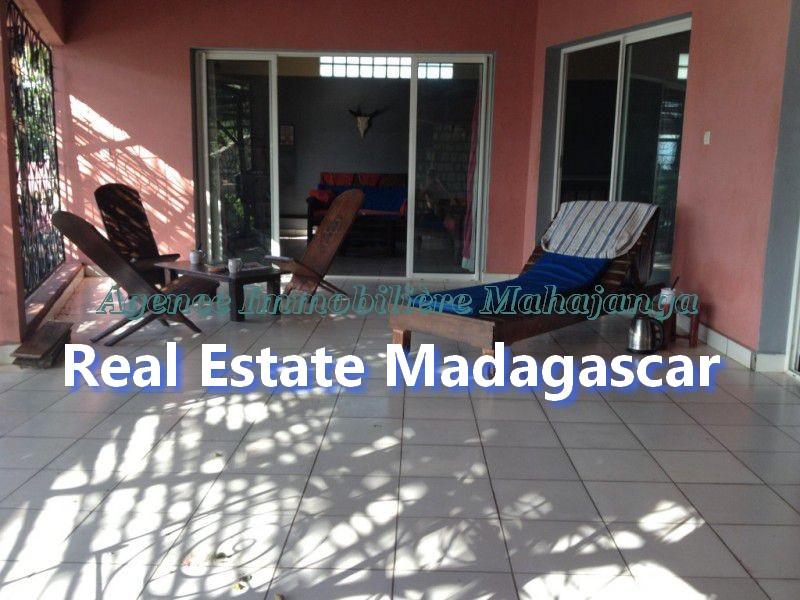 ansahabingo-mahajanga-villa-rental-4.jpg