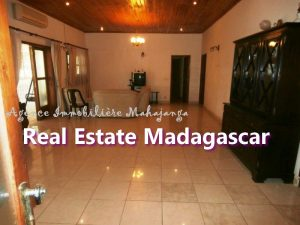 villa-for-sale-mahajanga-near-downtown-1.jpg
