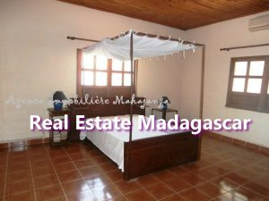 villa-for-sale-mahajanga-near-downtown-3.jpg