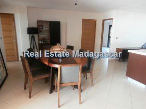 holiday-rentals-mahajanga-apartment-3.jpg