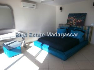 holiday-rentals-mahajanga-apartment-4.jpg