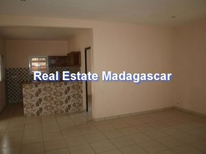 mahajanga-french-college-house-rental-3.jpg