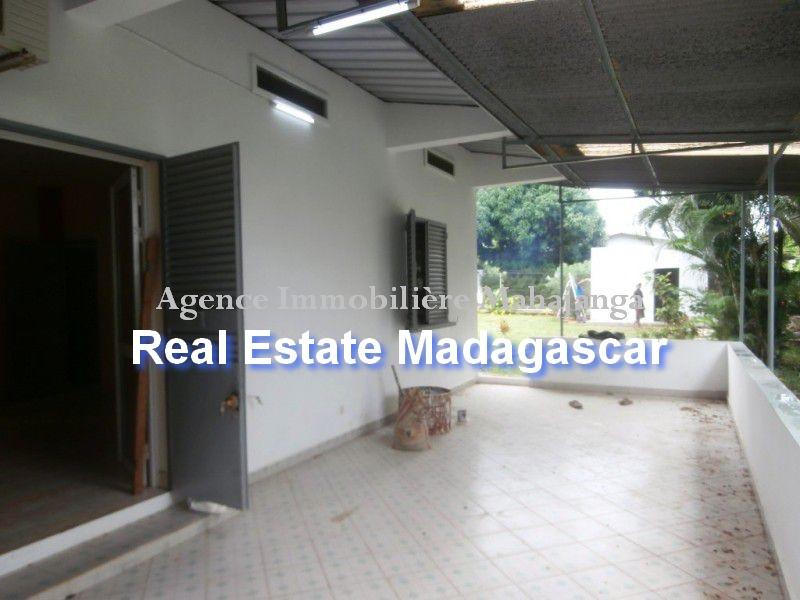 rent-sale-villa-mahajanga-1.jpg