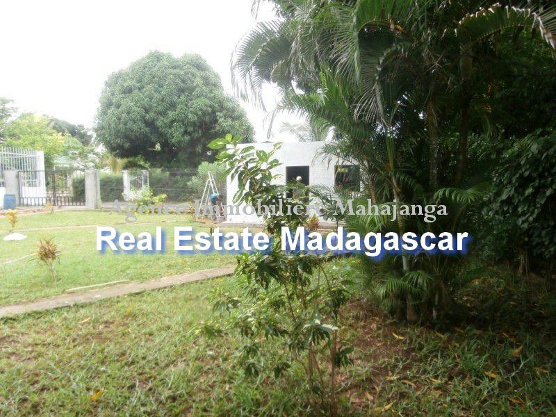 rent-sale-villa-mahajanga-3.jpg