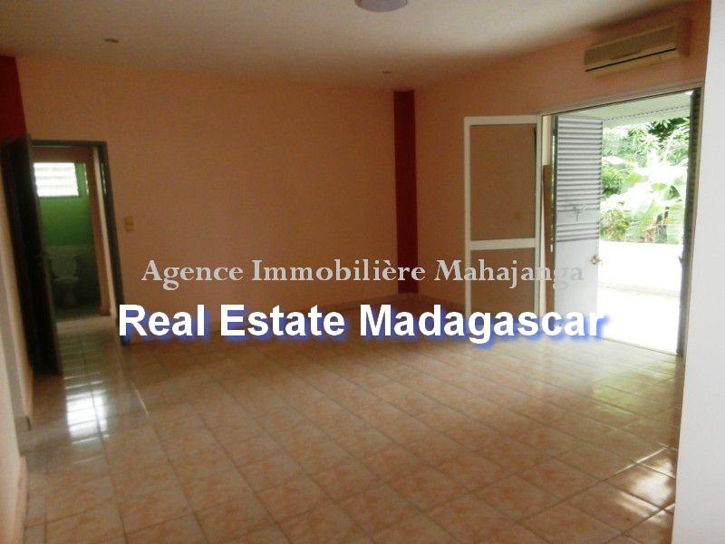 rent-sale-villa-mahajanga-4.jpg