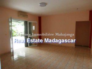 rent-sale-villa-mahajanga-5.jpg