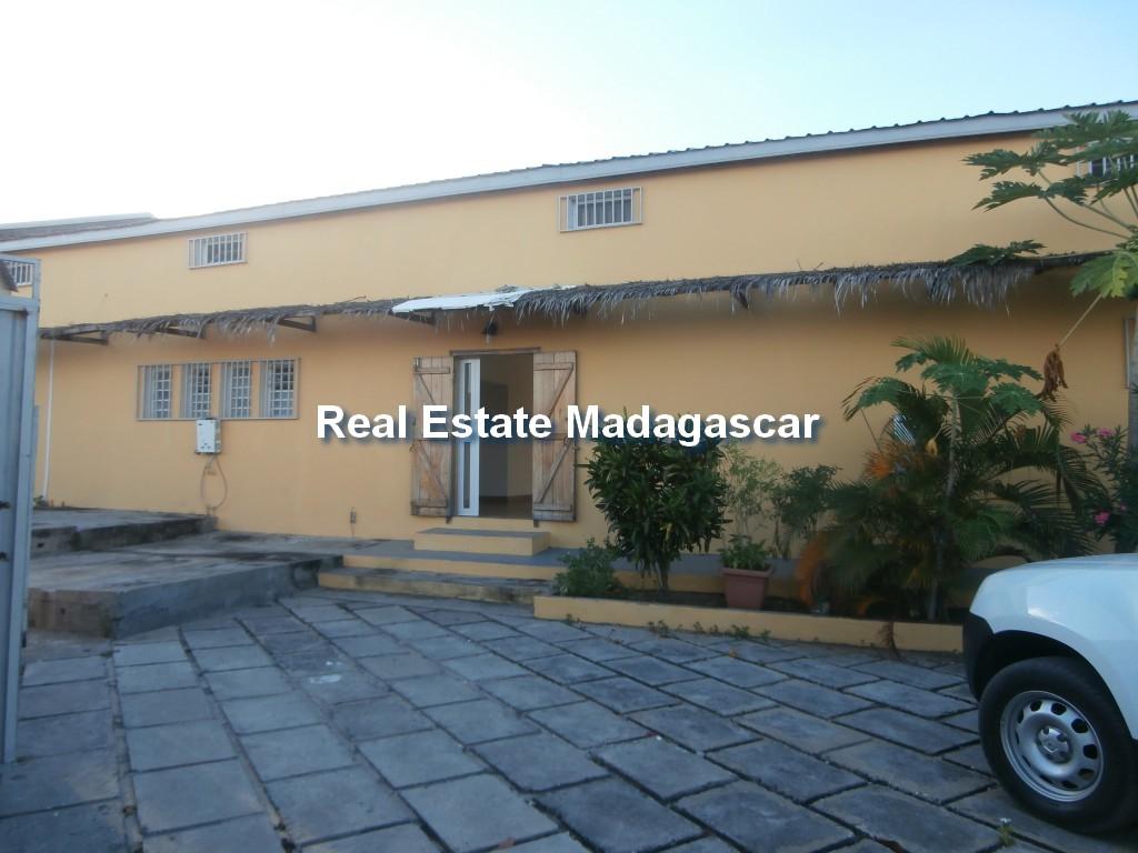 amborovy-mahajanga-villa-rental-mada-1.jpg
