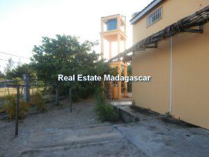amborovy-mahajanga-villa-rental-mada-3.jpg