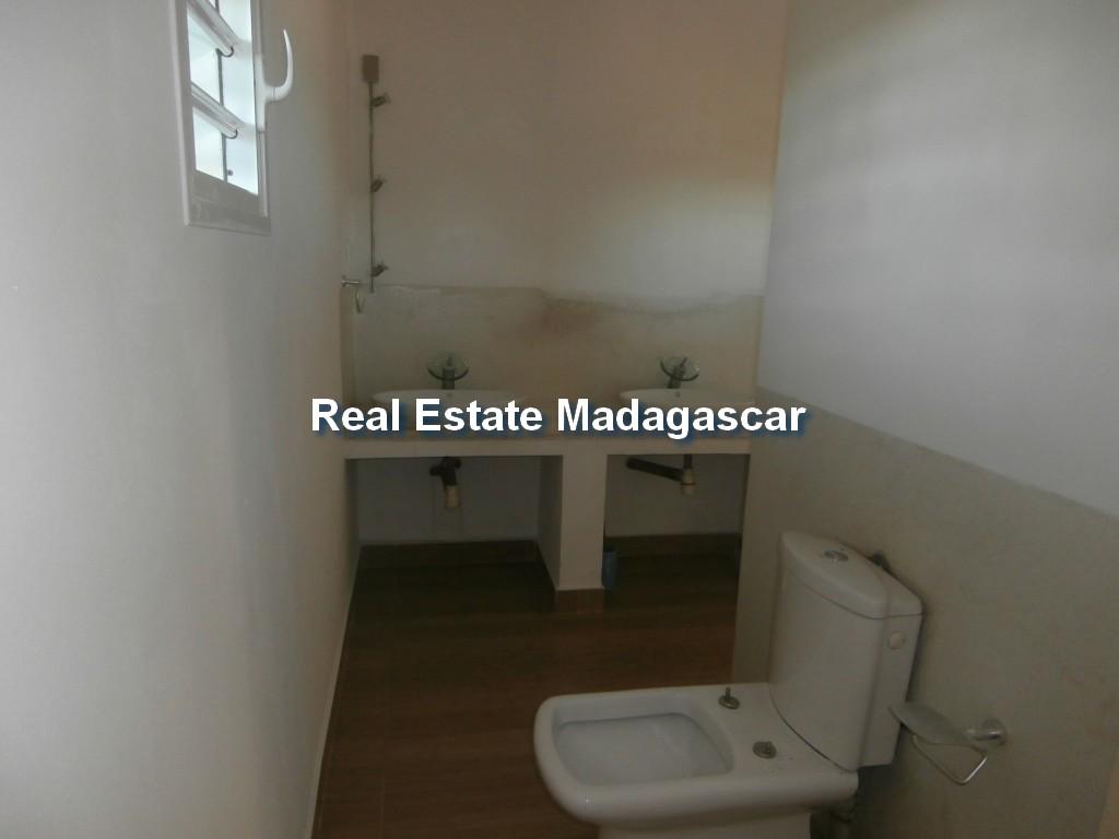 amborovy-mahajanga-villa-rental-mada-5.jpg