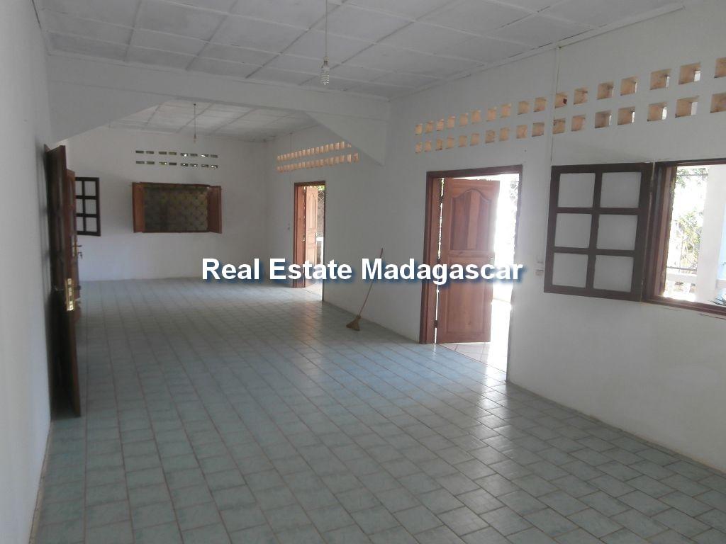 mahajanga-sale-villa-ambondrona-2.jpg