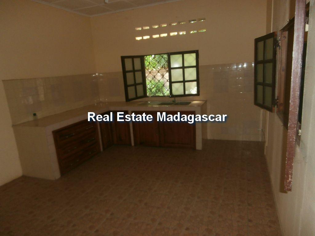 mahajanga-sale-villa-ambondrona-3.jpg