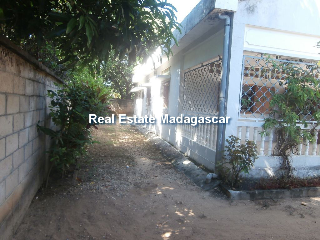 mahajanga-sale-villa-ambondrona-5.jpg