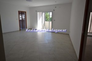 mahajanga-center-rental-apartments-3.jpg